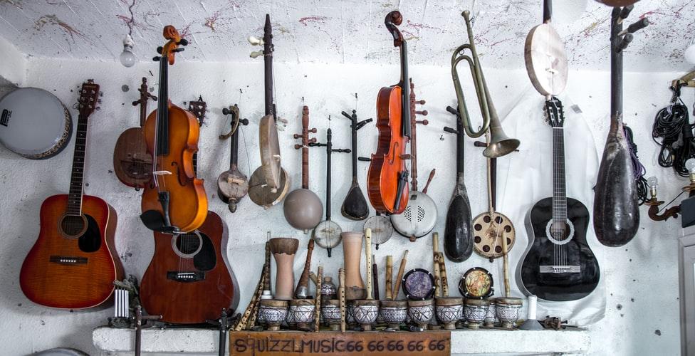 Imagem mostrando tipos de instrumento musical diferentes