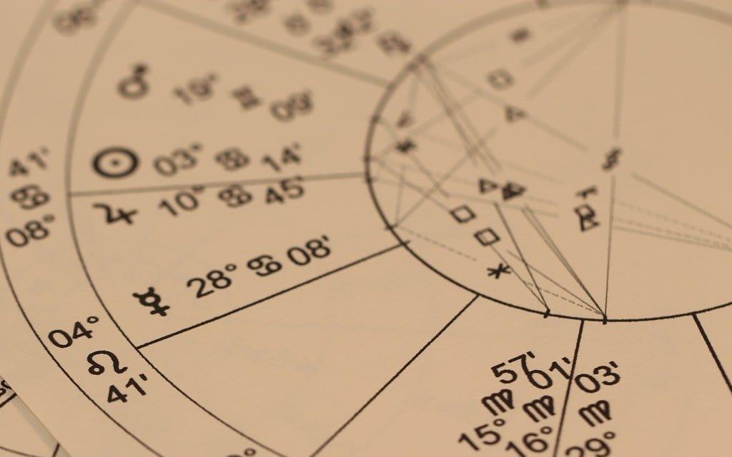 Devenir un Astrologue Éclairé - 5555€--> 30% de commissions soit 1666,50€ par vente